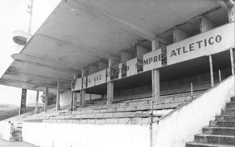 Estádio Joaquim Américo Guimarães, década de 80.