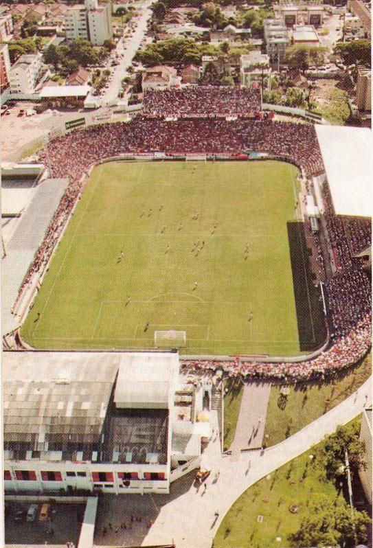 Estádio Joaquim Américo Guimarães, década de 90.